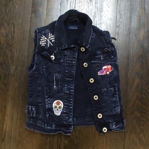 Girl's denim BUTTER vest. Size 8. BRAND NEW!